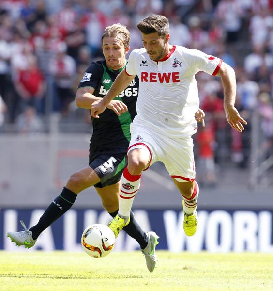 Der 1. FC Köln besiegt Stoke City mit 2:1.