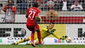 Der 1. FC Köln gewinnt beim VfB Stuttgart mit 3:1 - auch dank eines Elfmeters von Anthony Modeste, den er selbst herausgeholt hatte.