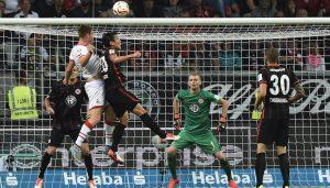 Dominique Heintz trifft zum 2:5 - es ist sein erster Bundesliga-Treffer. Ein trauriges Debüt.
