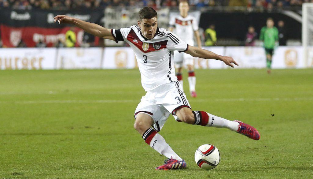 Jonas Hector im Dress der deutschen Nationalmannschaft.