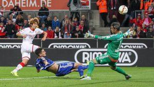 Yuya Osako vergibt eine Großchance: Der 1. FC Köln trennt sich 1:1 vom FC Ingolstadt. (Foto: Jörg Schüler)