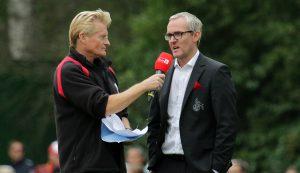 Michael Trippel interviewt FC-Geschäftsführer Alexander Wehrle.