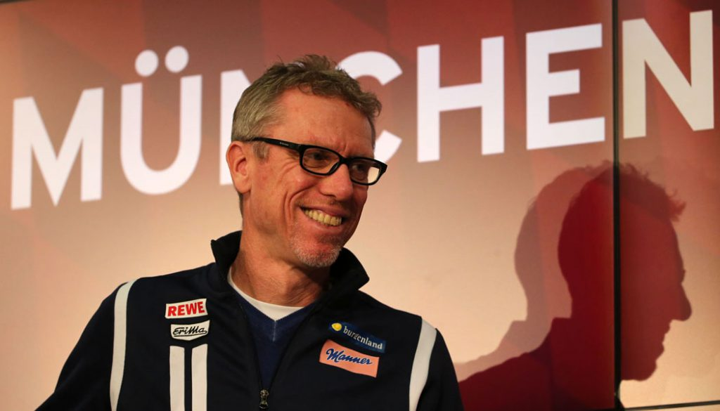 Peter Stöger in München: Der 1. FC Köln verliert beim FC Bayern mit 0:4. (Foto: Philippe Ruiz)
