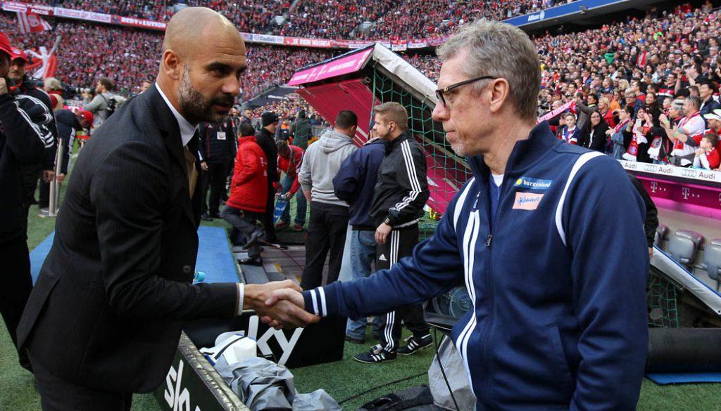 Pep Guardiola mit Peter Stöger. (Foto: sampics)