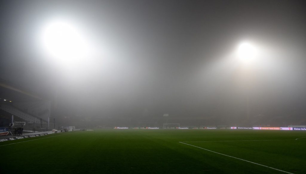 Das Böllenfalltor im Nebel. (Foto: JH)