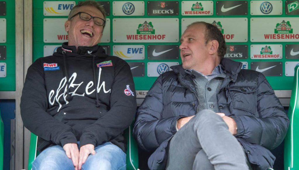 Peter Stöger und Jörg Schmadkte haben vor dem Spiel in Bremen gut lachen. (Foto: Ulmer/Hake)