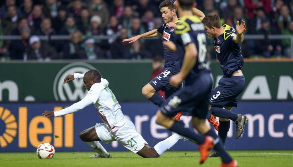 Tony Ujah hebt ab und schindet einen Elfmeter gegen den 1. FC Köln. (Foto: Ulmer/Hake)