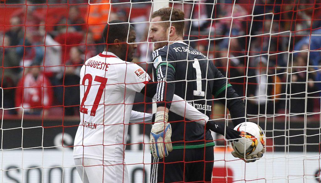 Streit um den Ball nach dem 1:2 bei Anthony Modeste und Ralf Fährmann. (Foto: MV)