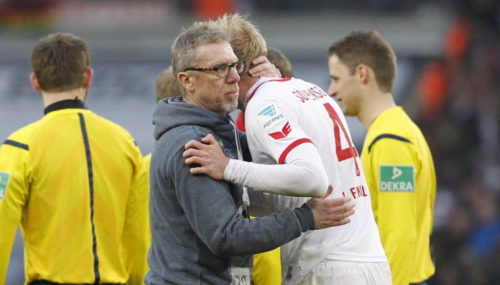 Peter Stöger mit Frederik Sörensen. (Foto: MV)