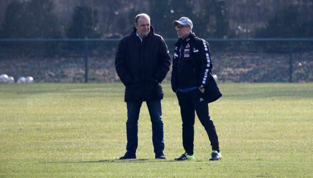 Jörg Schmadtke und Peter Stöger im Gespräch. (Foto: GBK)