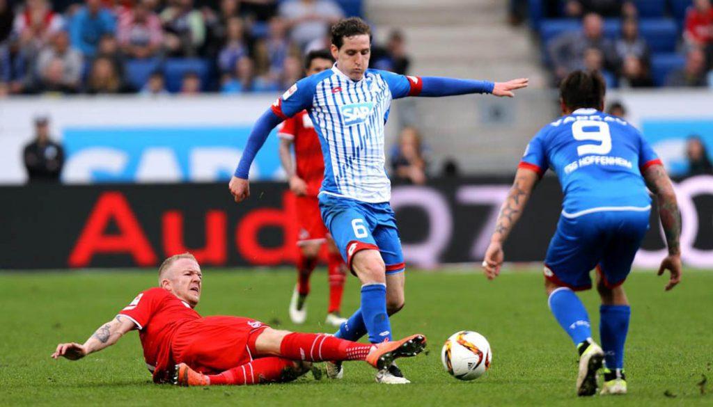 Kevin Vogt gegen Sebastian Rudy. (Foto: Pressefoto Baumann)