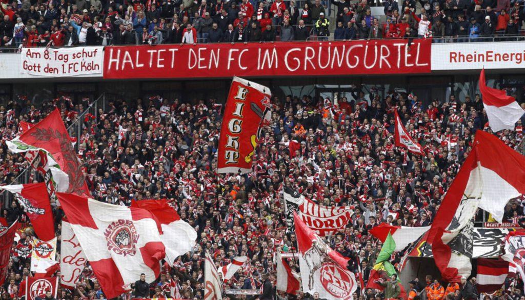 Die Fans des 1. FC Köln sprechen sich für einen Verbleib des Effzeh am Geißbockheim aus. (Foto: MV)