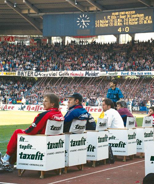 Christoph Daum und Bayer Leverkusen werden vom 1. FC Köln mit 4:0 abgefrühstückt. (Foto: Andreas Schmitz)