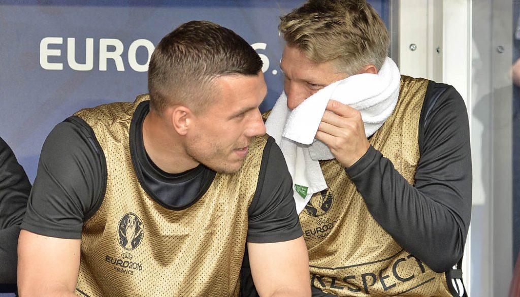 Lukas Podolski zusammen mit Bastian Schweinsteiger. (Foto: M.i.S.)
