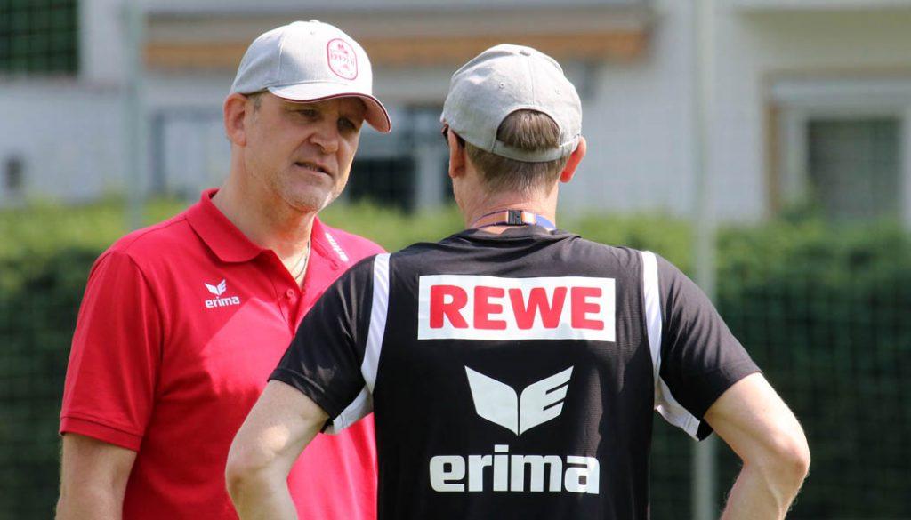 Jörg Schmadtke im Gespräch mit Peter Stöger. (Foto: GBK)