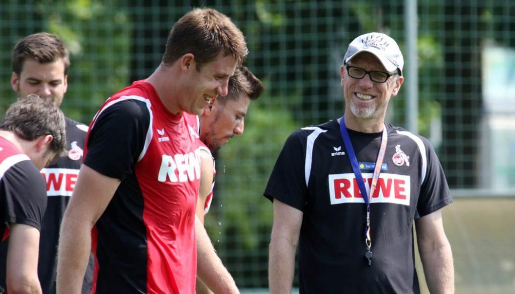 Dominique Heintz und Peter Stöger haben ihren Spaß. (Foto: GBK)