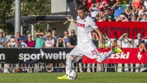 Filip Mladenovic erzielt das 1:0 im Spiel gegen SD Eibar. (Foto: Bela Bopp)