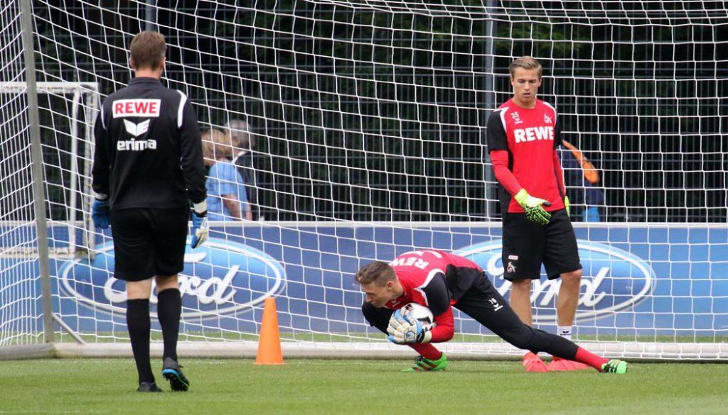 Matthias Hamrol und Sven Müller beim Torwart-Training mit Alex Bade. (Foto: GBK)