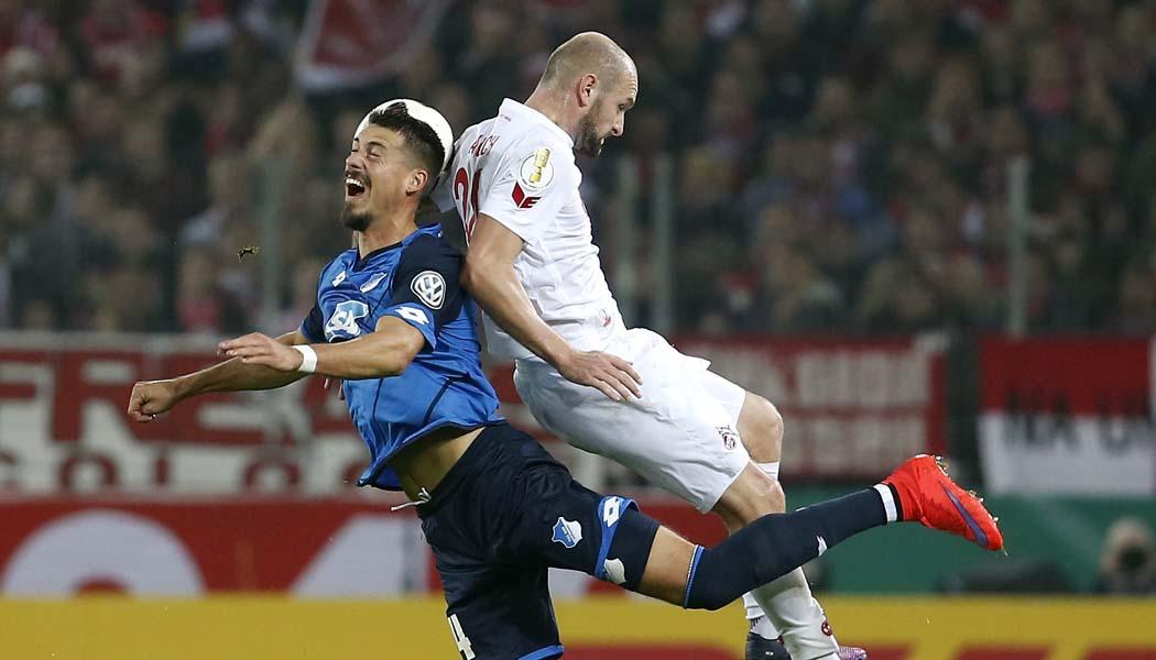 Sandro Wagner im Duell gegen Konstantin Rausch. (Foto: MV)