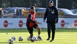 Dominic Maroh im Training mit Peter Stöger. (Foto: GBK)